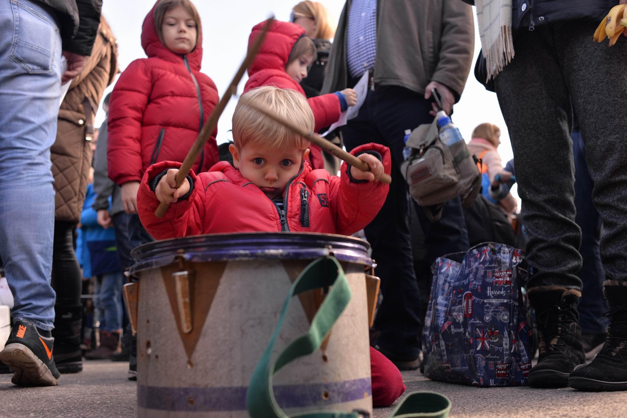 copiii la proteste pressone