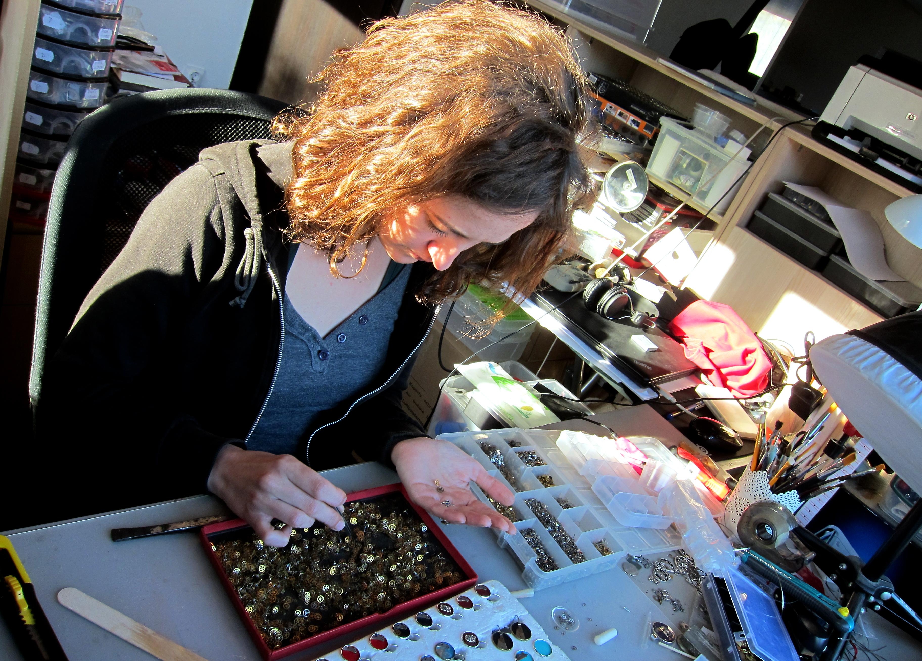 Diana LaCercei bijuterii steampunk mecanism ceas