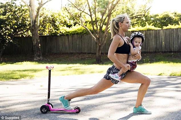 mama copil parc antrenament