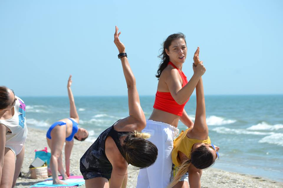 Alina Grecu world class instructor retreat nutritie yoga