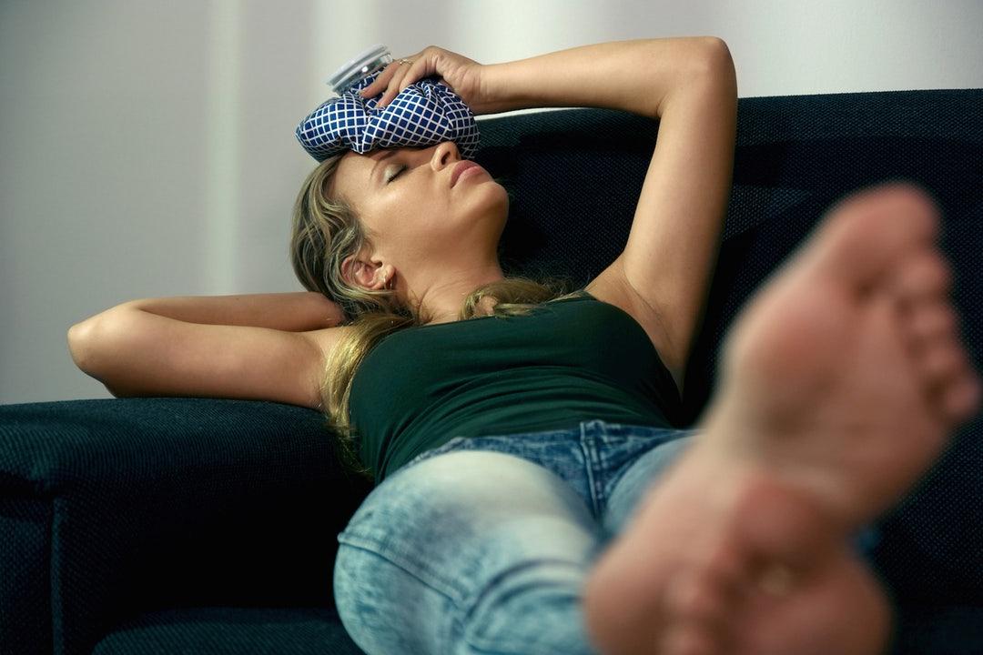 femeie obosita se relaxeaza