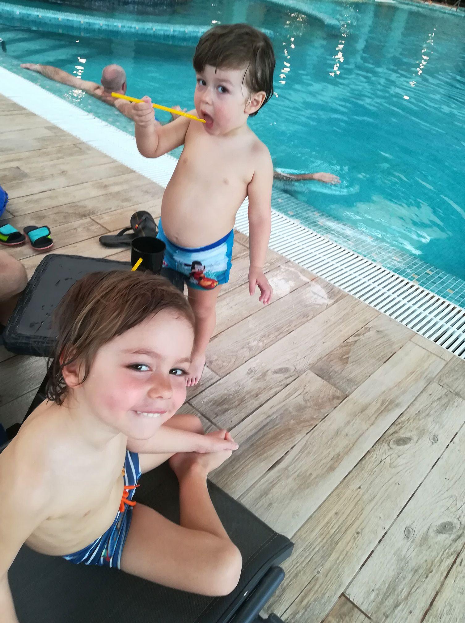 copii aquapark arsenal park piscina