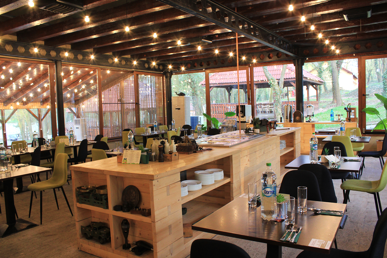restaurant complex arsenal park orastie interior