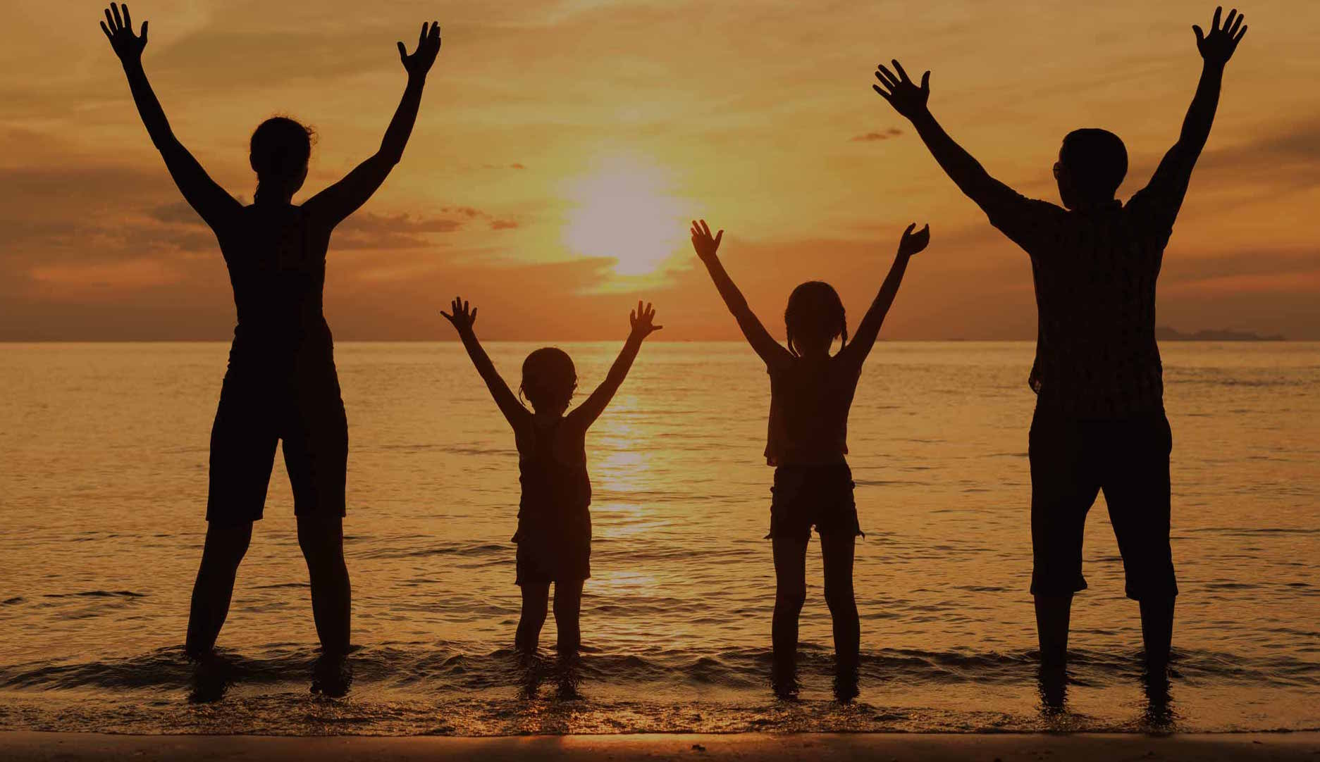 familie cu copii distractie