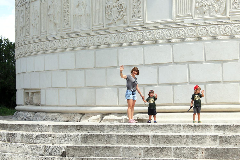 monumentul tropaeum traiani excursie copii adamclisi