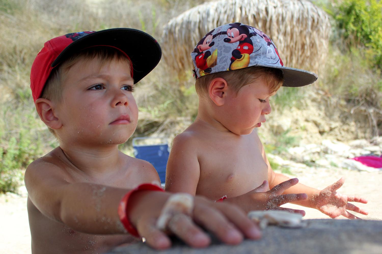copii plaja kibella bulgaria kavarna