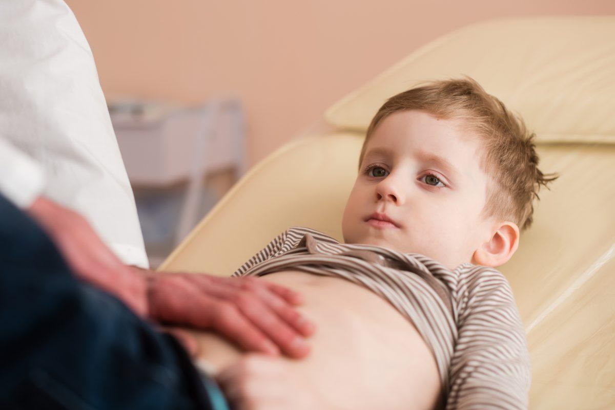 examinare abdominala copil otita timpan perforat
