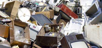 Cu tente comice despre cum am reciclat deșeuri electronice