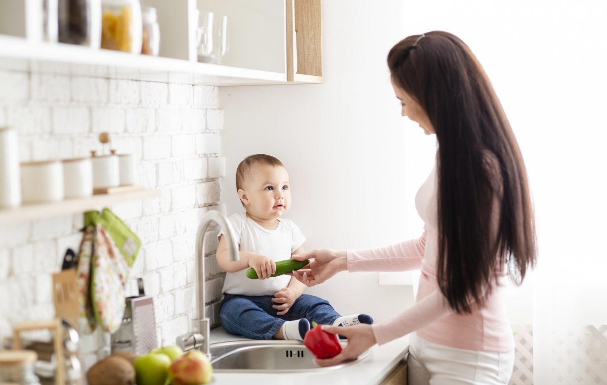 mama invata copil mancare sanatoasa