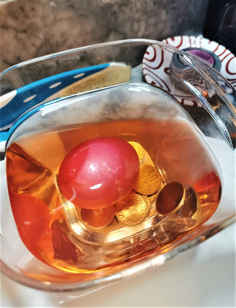 traditie paste ou rosu bani spalat fata