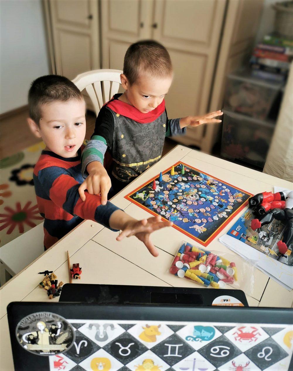 jocuri online copii izolare activitati acasa