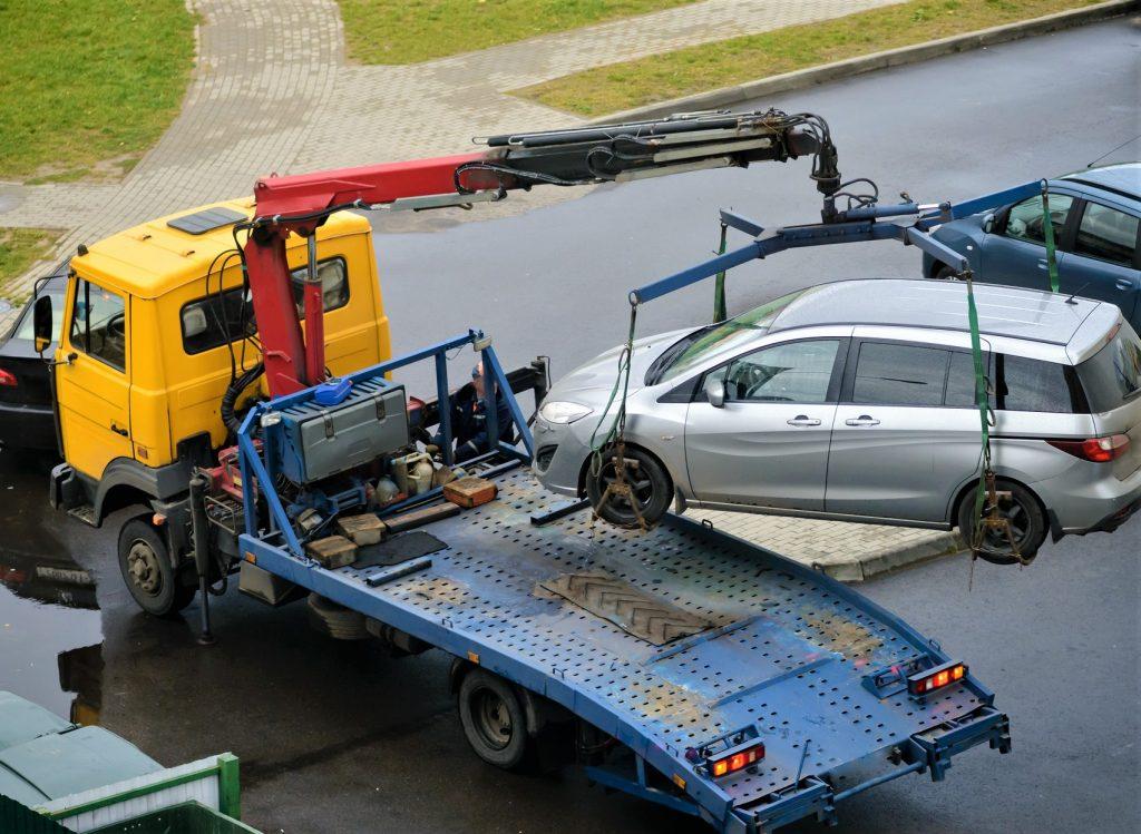 masina tractata parcare ilegala_1