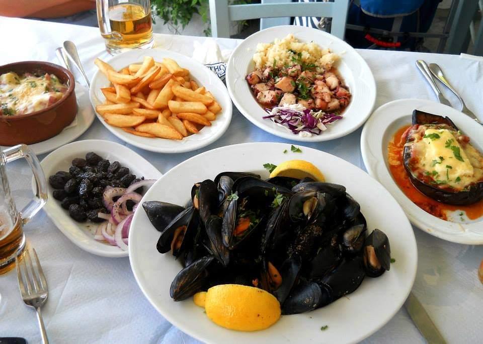 mancare taverna grecia scoici fructe de mare