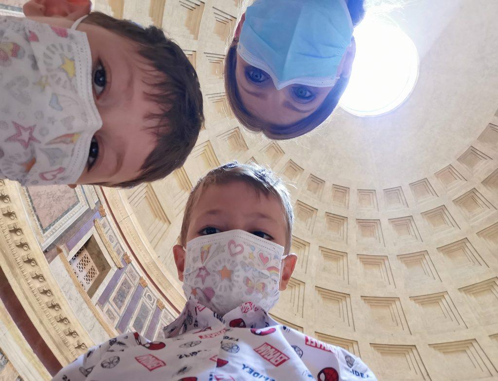 cu copiii la roma panteon